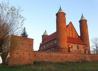 Brochów - kościół obronny